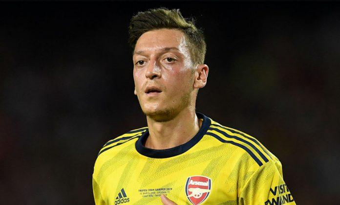 Mesut Ozil Di Karantina Jelang Kepindahan Ke Fenerbahce